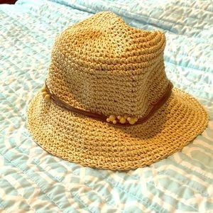 VINTAGE DISNEY FLOPPY SUMMER STRAW HAT